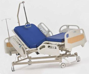 Медицинская кровать с электроприводом многосекционная