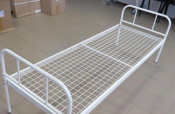Общебольничная кровать металлическая