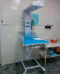 Cтол для санитарной обработки новорожденных с подсветкой и подогревом