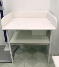 Медицинский пеленальный стол с полкой